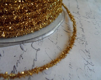 Classic Gold Vintage Style Wired Tinsel Roping Trim