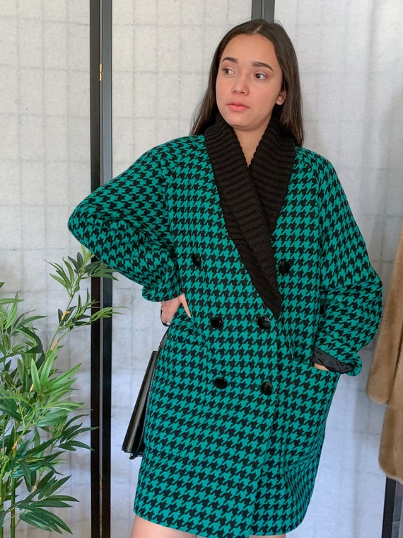 Cool Vintage 80s Green Black Houndstooth Wool Shaw