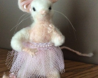 "Needle felted mouse ""Lily"""