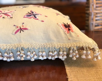 Linen Pillow Cover with Crewel Butterfiles - Natural Linen Butterfly Pillow - Cottage Country Farmhouse Traditional Style - SA