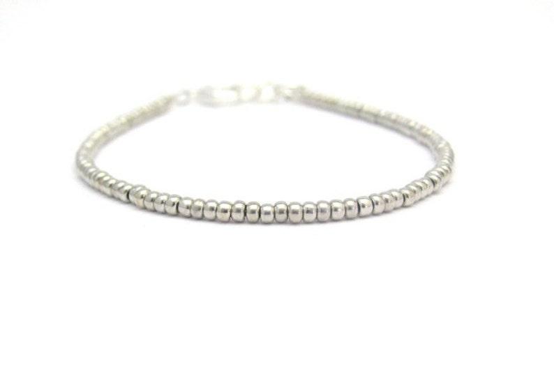 7fa895efff76 Bracelet en perle de rocaille en verre Bracelet en perles