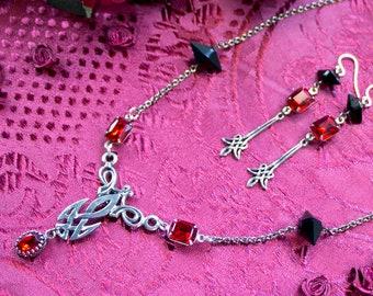 Celtic Knot Necklace Set - Red Celtic Necklace - Black Thorn Necklace - Celtic Jewelry Set - Celtic Knot Pendant - Silver Celtic Necklace