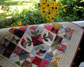 Small Quilt Pattern - Applique Doll Quilt or Wall Hanging