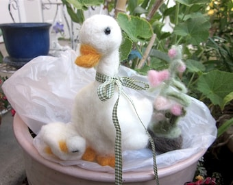 Needle Felted Mother and Baby Duck Dolls, Log and Flowers/  Heirloom Collectible Easter Ducks / Daisy and Melody, Room Decor