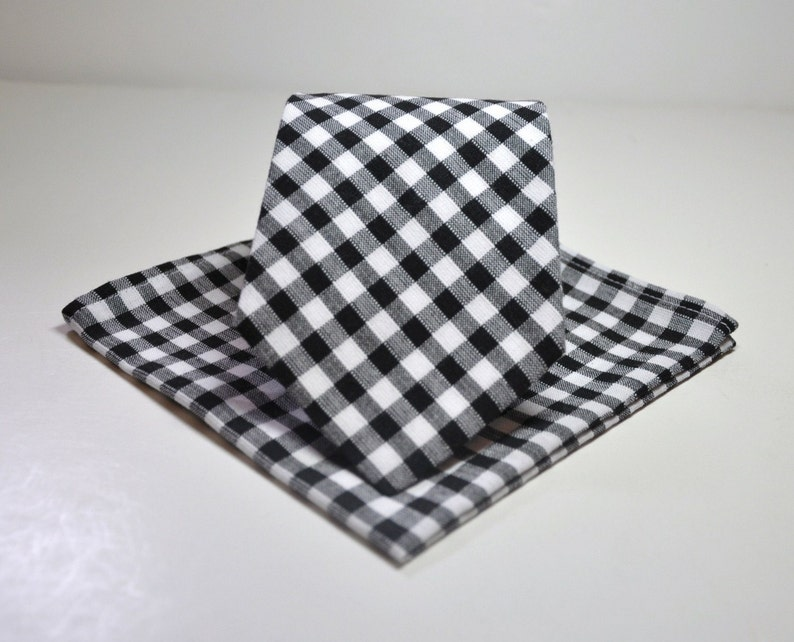 Men's Tie and Pocket Square   Black and White 1/4 In image 0