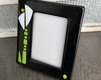 Picture Frame Fused Glass Frame 7.5 X 9 Inch Fits 4 X 6 Inch Photo White Lily on Black Background Vertical Picture Gift Remembrance