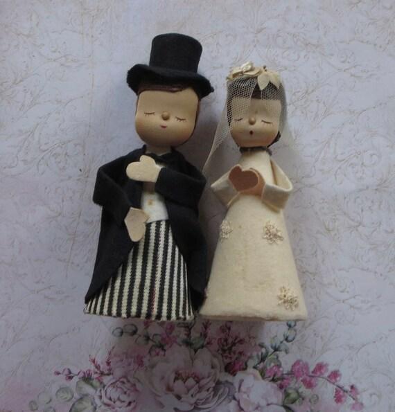 CUTE BRIDE /& GROOM WEDDING COUPLE ENAMEL clip on charm for charm bracelets