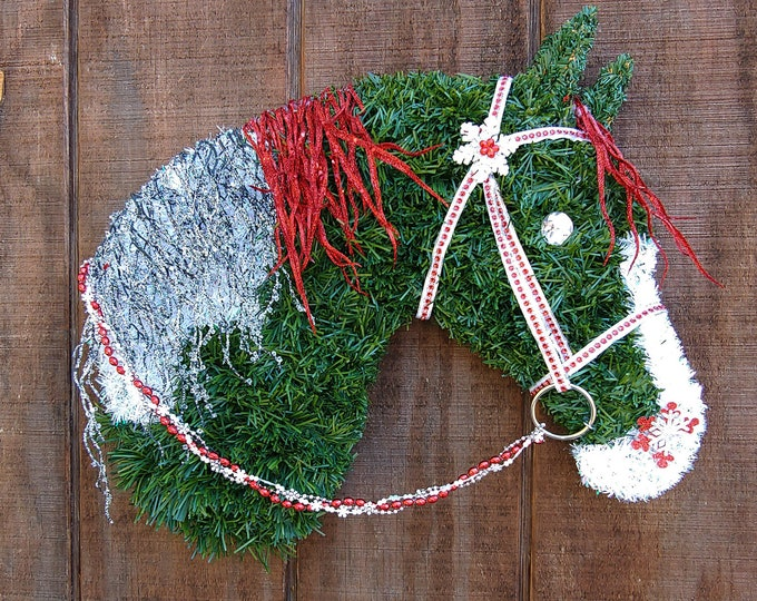 Spotted - Paint Horse Head Christmas Wreath