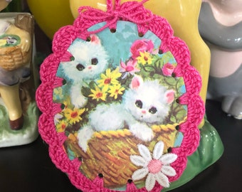 Crochet Vintage Note Greeting Card Ornament / Tag / Bookmark - Big Eye Kitty Cat Basket