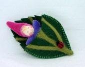 Leafbuddy, Waldorf style Doll, Wee Elfbaby in needlefelted Leafbed with Ladybug, Adorable