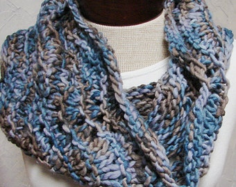 Pattern Super Quick Hand Knit Cowl Knit with bulky yarn A Quick Lace Cowl Pattern