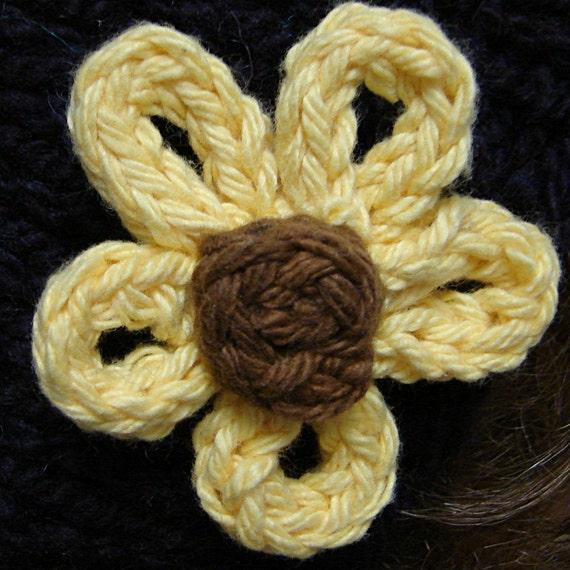 2d16057f2a7e Handknit Daisy Flower Pattern