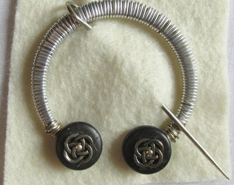 Penannular Brooch Shawl or Kilt Pin w/ silver tone wire wrap and round knot finials