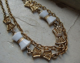 FREE SHIPPING Vintage Goldtone Chain Necklace with White Bow and Gold Filgree Bow Accents