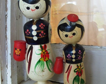 Vintage Kokeshi Doll Set with Bobble Heads Signed