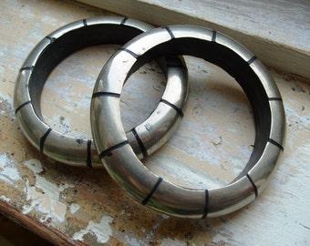 FREE SHIPPING VIntage Bracelets - Silvertone Metal Bangles