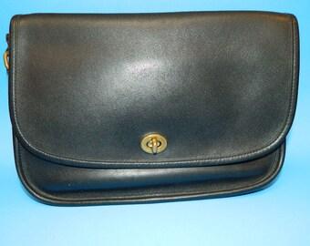 dc238ca438f2 Vintage Leather COACH black city bag 9790 purse