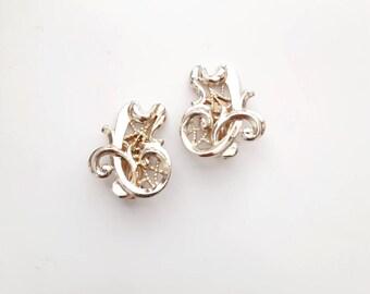Light Goldtone Sarah Coventry Clip On Earrings