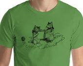 Christmas T-Shirt: Merry Christmas Cats | Retro Caroling Christmas Kittens Holiday Unisex Shirt