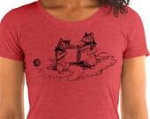 Christmas T-Shirt: Merry Christmas Cats | Retro Caroling Christmas Kittens Holiday Ladies Shirt