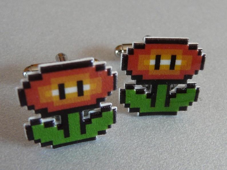Super Mario 3 Fire Flower Cufflinks // Video Game Cufflinks // image 0