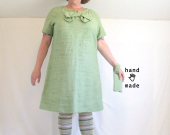 Jackie Dress and Tech Clutch, matching set --  plus size, size 24, 26W, xxxl -- Aline shift, mint green, vintage fabric -- 54B-51W-56H