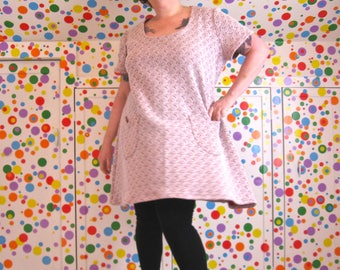 Aaah-Line Dress -- plus size, 4X, size 28 / size 30 -- made in vintage textured poly fabric -- a-line, trapeze shape, pockets -- 54B-53W-63H