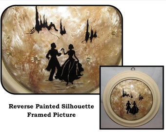 fe27f7a2acc Vintage Small Round Framed Reverse Painted Silhouette Picture w  Domed  Glass of Romantic Couple
