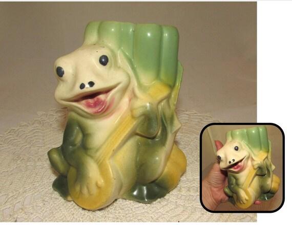 Vintage Ceramic Green Frog Playing A Yellow Banjo Vase