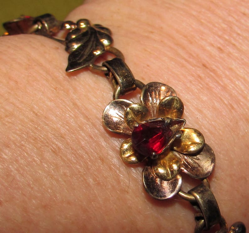 Vintage 12K Gold Plated Link Bracelet with Red Rhinestones 6 long flowers /& leaves costume jewelry