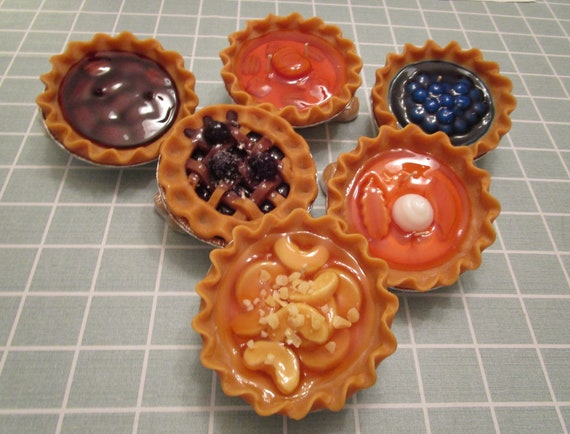 """6"""" Pie Candles"""