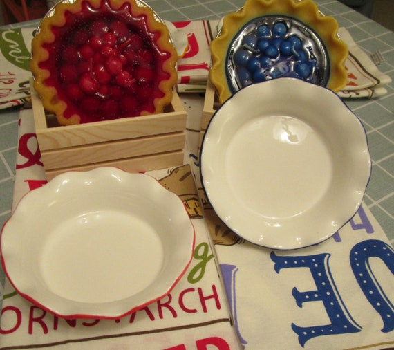 Ruffled Pie Plate and Pie Gift Set