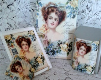 French Lady of the Roses Gift Bag Set