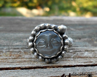 Gray Moonstone and Sterling Ring. Moonface Ring.  Ring Size 7.5.