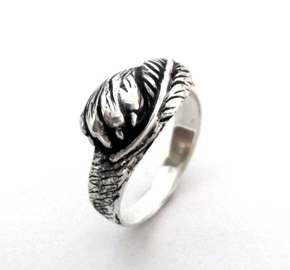 Fur and Feather Ring - Wolf Paw and Crow Feather - Silver Personalized Ring - Choose your Animal Paw - Dog or Cat - Custom Ring, Rickson 143