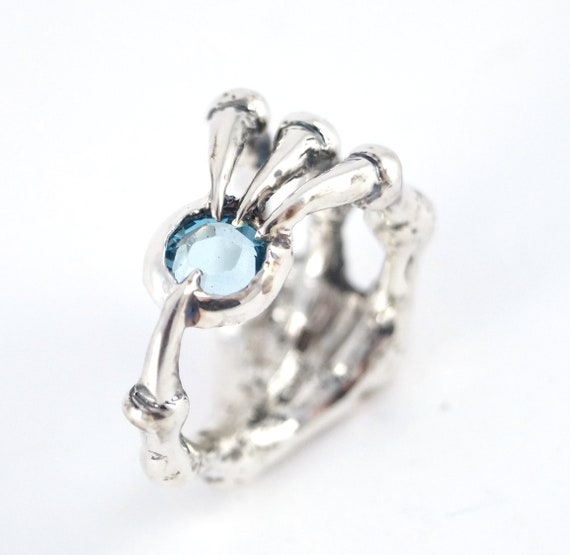 Bird Claw Ring - Magic Soul Ring Aquamarine stone Nerd Engagement Geekery Gamer Video Game Attack Jewelry Bird Dark Dragon Claw 216