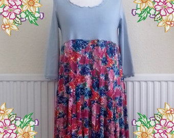 M-L Pretty cotton knit stretchy floaty tunic dress.   Upcycled Refashioned Preloved Refashion Recycled Clothing. MEDIUM TO LARGE