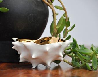 Gold Conch Bowl - Gold Ceramic Bowl,  Modern Ceramic Bowl, Pinch Bowl, Gift for her, Housewarming gift