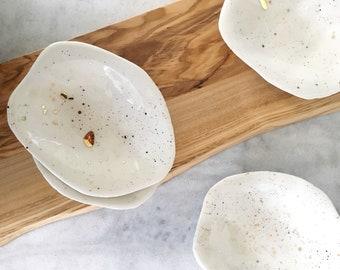 Gold Splatter Turtle Shell Ceramic Dish - Trinket Dish, Ring Dish, Ceramic Plate, Dessert Plate, Porcelain Turtle Shell Plate