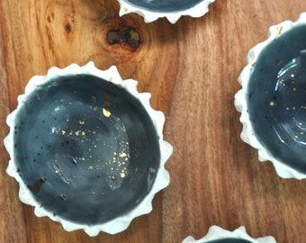 Small Scallop Bowl - Gray Gold Splatter Small Ceramic Bowl, Handmade Pottery, Ring Dish, Pinch Bowl, Small Porcelain Bowl