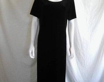 Closing Shop SALE 90s black velvet long dress