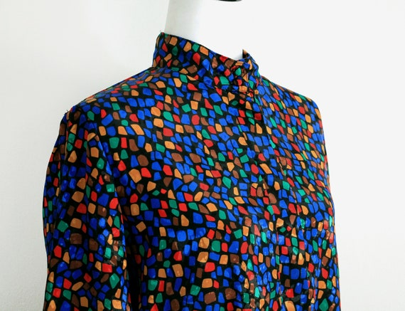 multicolor vintage blouse, abstract pattern flowin