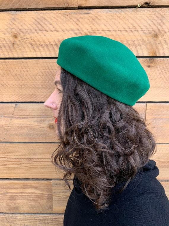 x small, wool beret, green beret, vintage beret, e