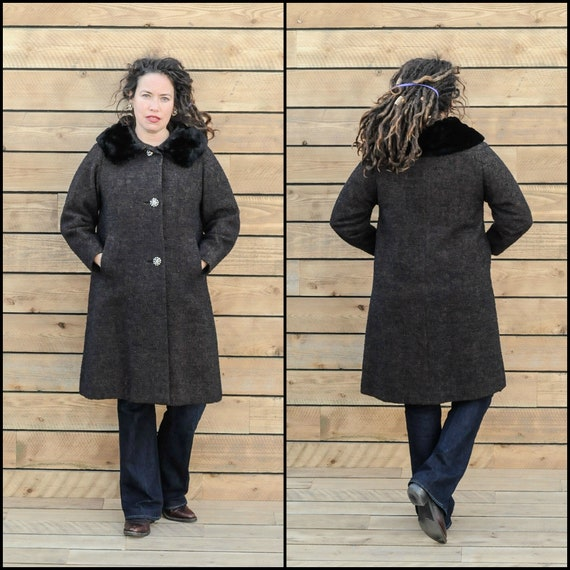 large, long wool coat fur collar coat long black c