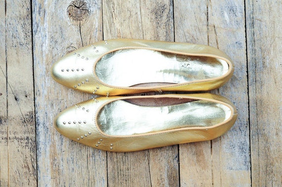 Us 9, 1960s shoes, gold flats, wedding shoes, leat