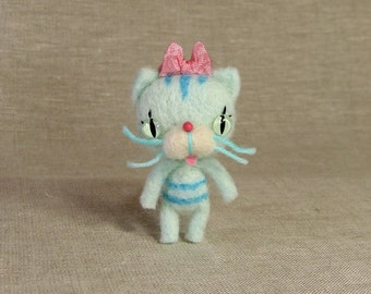Tiny Blueberry Cupcake Kitty MADE-TO-ORDER