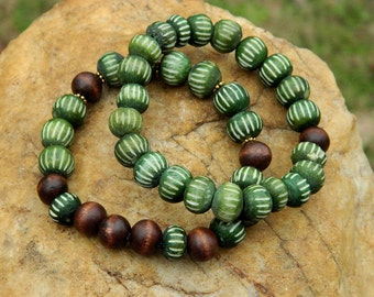 Green Carved Bone Stretch Bracelet