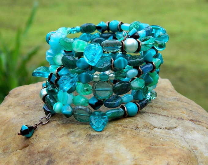 Featured listing image: Turquoise Boho Czech Bead Bangle