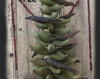 Primitive E-PATTERN O Christmas Tree with Crows and Star