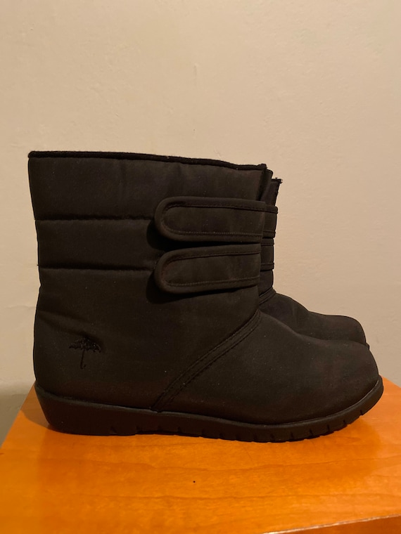 Vintage black Velcro snow boots by